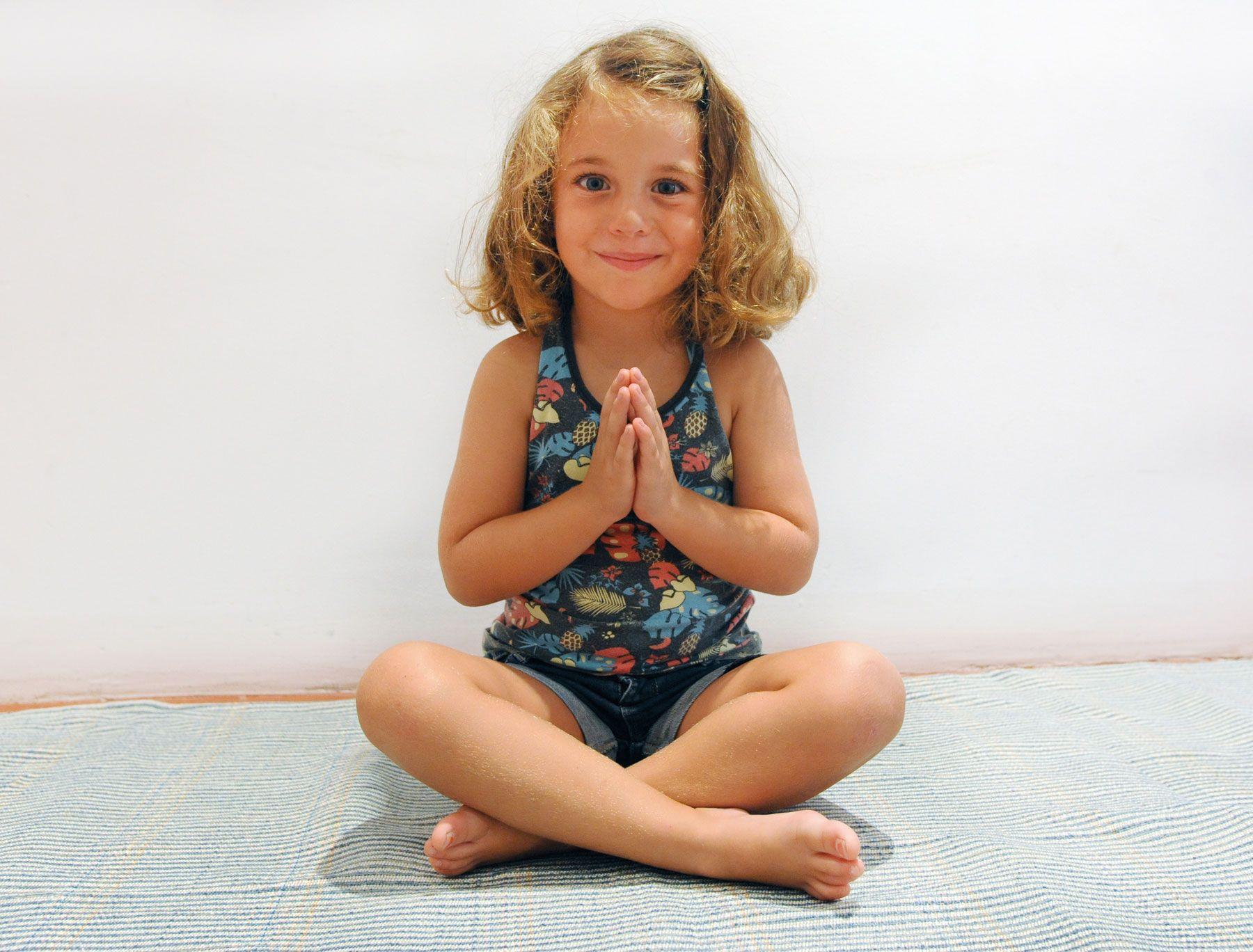 Yoga para niños en barcelona
